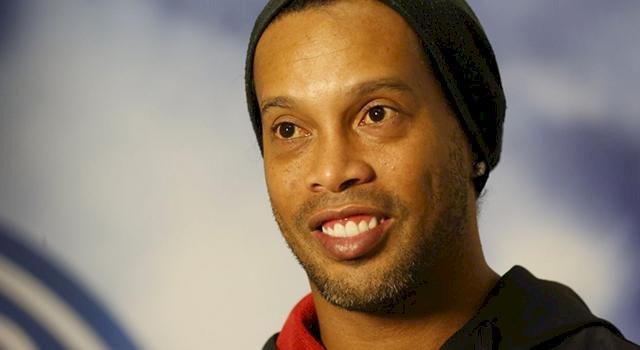 Brésil : l'ex-star du foot Ronaldinho se lance en politique