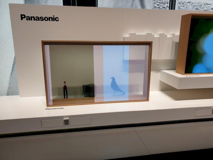Panasonic montre son écran transparent et un téléviseur au contraste record
