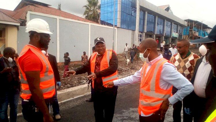 Goma: Le gouverneur Carly Nzanzu inspecte des routes en cour de réhabilitation