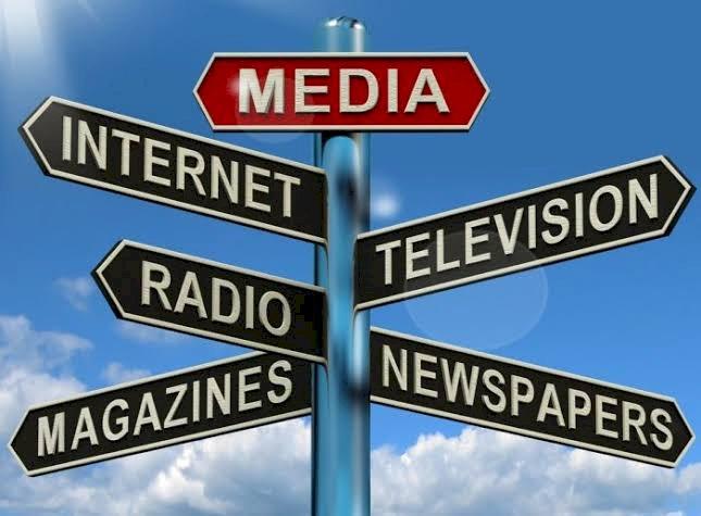 « Information comme bien public », qu'en est-il de l'indépendance du journalisme par rapport aux factions ?