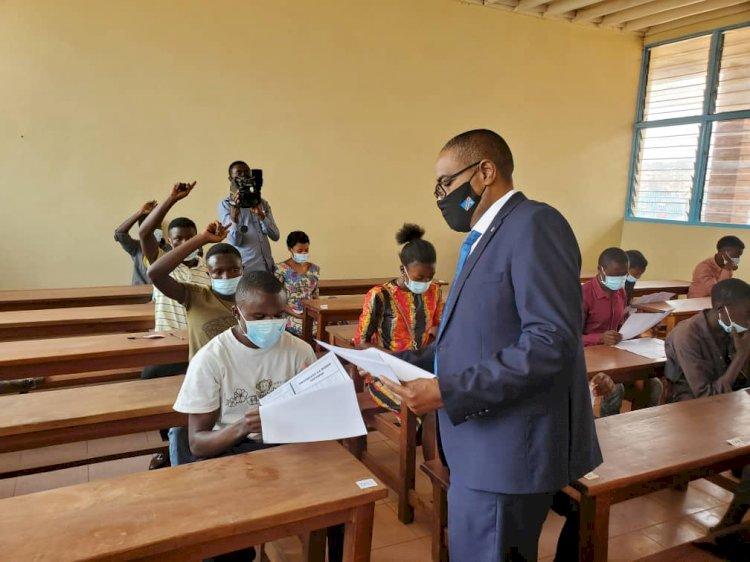 Sud-Kivu : Le Gouverneur Théo KASI lance la session de l'examen de fin d'études professionnelles